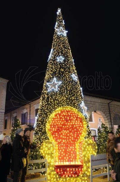 Luminarie natalizie Albero cono stellato 13mt
