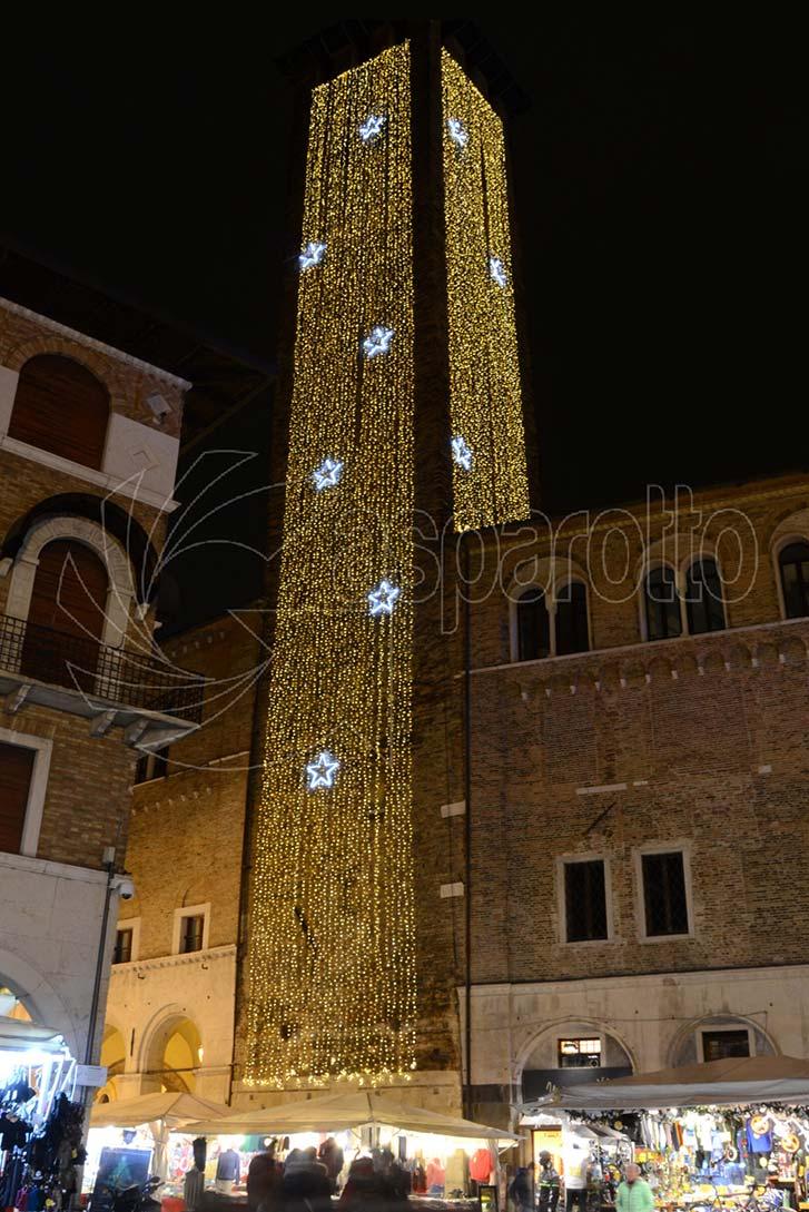 Illuminazione natalizie torre comunale