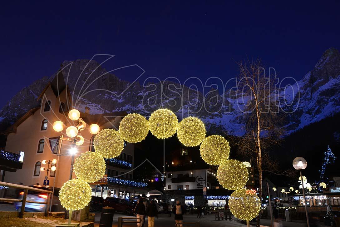 Installazioni luminose natalizie