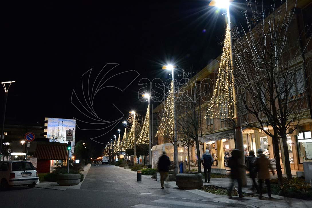 Luminarie esterne natalizie