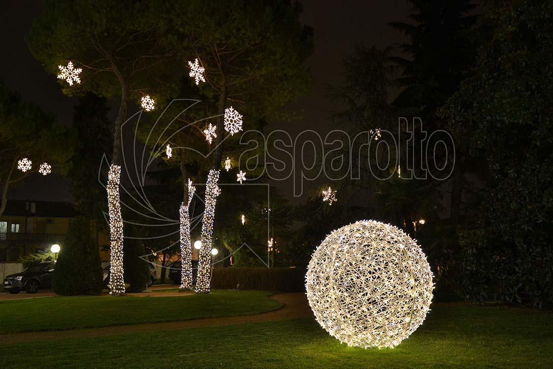 Sfera luminosa da giardino