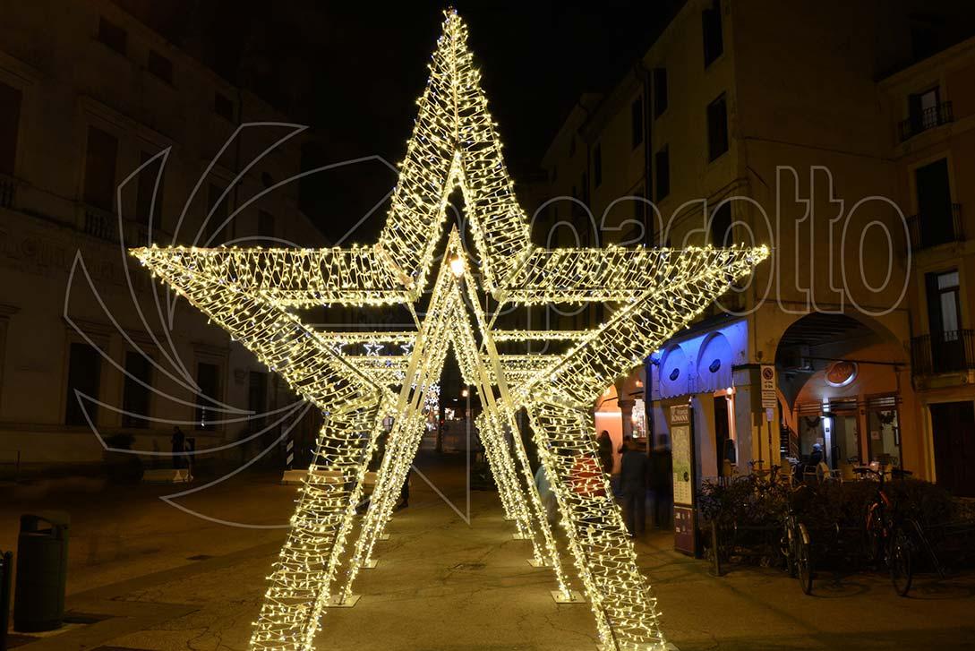 Tunnel stelle natalizie